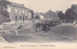 Houyet-lez-Dinant - Entrée Du Village (belle Animation, G.H. Edit., Au Bon Marché) - Houyet