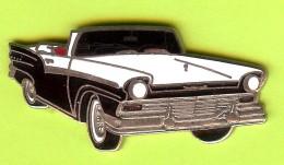 Pin Automobile Noire Et Blanche - 5I10 - Pin's