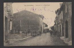 DF / 34  HERAULT / LA LIVINIÈRE / HABITANTS POSANT BOULEVARD DE LA RÉPUBLIQUE - Autres Communes