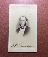 OLD CDV PHOTOGRAPH 1868 United States Richmond Photo Studio. Portrait Of A Man Wearing A Tie. - Oud (voor 1900)