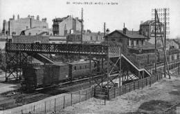 78 HOUILLES LA GARE ANIMEE LES QUAIS  UN TRAIN EN GARE - Houilles