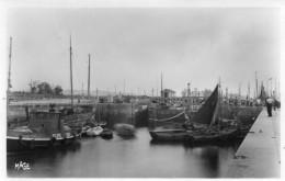 CPSM  -  RIVA  BELLA  (14)    Le Port  - Bateau  PILOTE - CAEN - Riva Bella