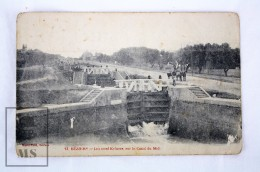 Old Postcard France, Beziers - Les Neuf Ecluses Sur Le Canal Du Midi - Unposted - Beziers