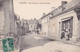 49 FOUGERE  CPA . ANIMATION RUE PRINCIPALE. ROUTE DE LA FLECHE . ANNÉE 1908. - France