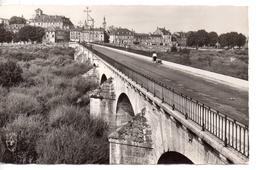 .CPA.58.Decize.Vue Générale Et Pont Sur La Vieille Loire.1964.animé Une Femme Tirant Un Chariot. - Decize