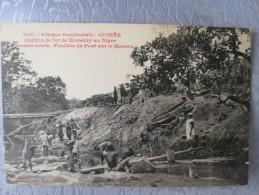 GUINEE . CHEMIN DE FER DE KONAKRY AU NIGER . FOUILLES DU PONT SUR LE MAMOU - Guinée