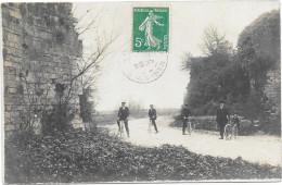 17 MARENNES. Carte Photo 4 Cyclistes. Cachet De MARENNES - Marennes