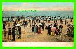 À IDENTIFIER -  PLAGE TRÈS ANIMÉE DANS LES ANNÉE 1900  - ILLUSTRATED POSTAL CARD CO - - Cartes Postales