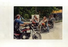 FRANCE . PHOTO DE RASSEMBLEMENT DE MOTOS DANS LES ANNEES 1970 . - Sport
