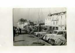 FRANCE 33 . PHOTO D'AUTOMOBILES AU PARKING . - Automobile