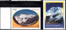 Nepal 2005 Set Of 2 Mounts Makalu & Kanchanjunga  756-7 - Nepal