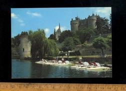 MONTREUIL BELLAY Maine Et Loire 49260 : Les Pédalos Devant Le Chateau - Montreuil Bellay