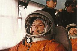 Youri Gagarine, Premier Homme Dans L'espace, Carte Postale Neuve Non Circulée - Historical Famous People