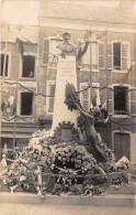 50 - MANCHE / La Haye Du Puits - Carte Photo - Le Monument Aux Morts Décoré - Inauguration - Autres Communes