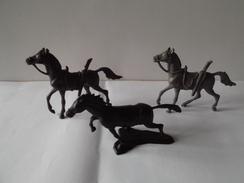 3   CHEVAUX         MARQUE  ???? - Horses