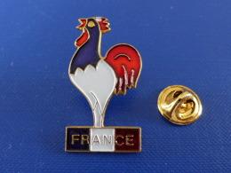 Pin´s Coq Sportif - France Tricolore - Doré - Hauteur 3.6 Cm (PV40) - Autres