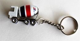 PORTE-CLE.camion Toupie CEMEX. - Schlüsselanhänger
