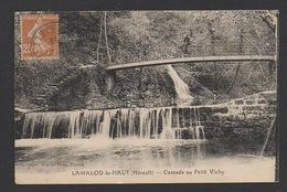 DF / 34  HERAULT / LAMALOU-LE-HAUT / CYCLISTES EN HAUT DE LA CASCADE DU PETIT VICHY / ANIMÉE / CIRCULÉE EN 1928 - Lamalou Les Bains