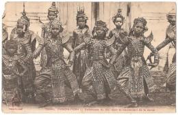 PHNOM-PENH Danseuses Du Roi Dans Le Mouvement De La Danse - (en L´état) - Cambodge