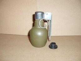 Grenade Défensive En Fonte Mod 37/46 - Decotatieve Wapens