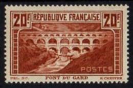 """[812] Y&T 262B """"Les Pont Du Gard"""" - Neuf Char. -;départ 1€"""