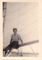 25926 Photo Belgique Anvers Antwerpen ? -bateau Yatch Regate Marin Femme Couple Voilier - Année 40-50 - Bateaux