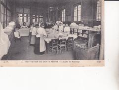 CPA  INSTITUTION DE SAINTE-PERINE.  Hopital.  L'atelier De Repassage ...... ....C703 - Santé