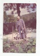 PHOTOGRAPHIE , 8 X 12 , Jardin , Jardinier , Chien , MUR DE BARREZ , Aveyron - Lieux