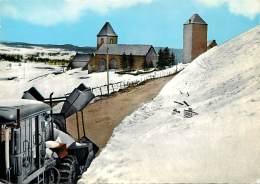 -ref-T496- Aveyron - Aubrac - Vue Par La Route De Laguiole - Chasse Neige - Chasses Neige - Carte Bon Etat - - France