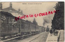 79 - BRIOUX - CROISEMENT DE TRAINS EN GARE   RARE - Francia
