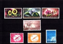 1957/60 - INDONESIA - O/FINE CANCELLED - FLOWERS, BADMINTON, MALARIA, LOTUS - Indonesië