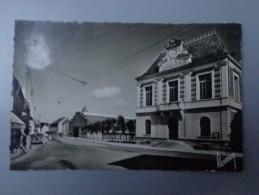 CPA PHOTO 91 DRAVEIL MAIRIE ET PLACE DU MARCHE - Draveil