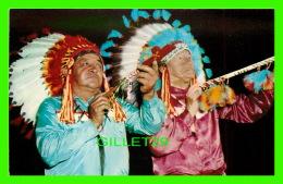 INDIENS - DES CHEFS INDIENS - - Indiens De L'Amerique Du Nord