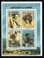 1992   Artisanat: Vannerie, Fogeron, Fabication De Pirogue, Coiffure  - Bloc-feuillet ** - Gabon