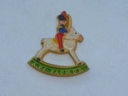 Pin's CHEVAL A BASCULE, A.F.J. SAUMUR - Andere