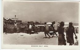 Aden  -  Bagging Salt.    S-3058 - Yemen