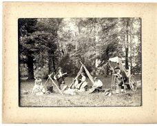 TROUBADOURS  TRES BELLE SCENE  -  PHOTO ANCIENNE A LOCALISER COLLEE SUR UN SUPPORT CARTONNEE - Métiers