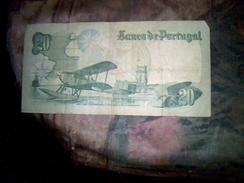 Billet De Banque De   Portugal De 20 Escudo Ayant Circule Traces D Usures  B+ - Portugal