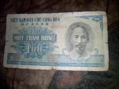 Billet De Banque Du Viet Nam 100 Dong Ayant Circule Traces D Usures Etat B - Vietnam