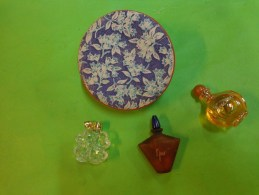 Lot De 3 Flacons Parfum Ou Eau De Toilette- Miniatures--dans Boite Carton Decor Bleuet - Modern Miniatures (from 1961)