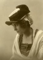 France Jeune Femme En Costume Traditionnel Mode Ancienne Photo 1900 - Anonymous Persons