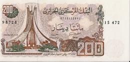 ALGERIA=1983   200  DINARS     P-135    UNC - Algerien