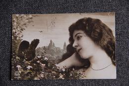 Jeune Femme à L'oiseau - Oranotypie. - Femmes