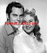 Reproduction D'une Photographie D'un Portrait De Virginia Mayo En Compagnie De Jeffrey Hunter En 1956 - Reproductions