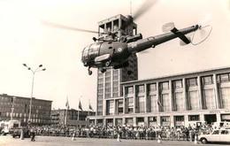 Hélicoptère Au Havre Démonstration De Sauvetage Suite Simulacre D'accident - Aviation