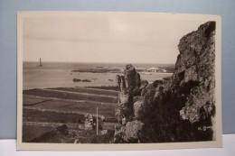LA HAGUE  --- Port Et Phare De  Goury   - ( Pas De Reflet Sur L'original ) - France
