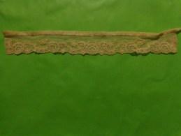 Dentelle Long 37cm Larg 4.5cm Ecru - Laces & Cloth