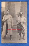 CPA Photo - Portrait De Poilu Du 115e Régiment - Voir Uniforme - Faux Décor De Photographe En Arriere Plan - Guerre 1914-18