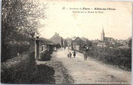 61 ATHIS DE L'ORNE - Arrivée Par La Route De Flers. - Athis De L'Orne