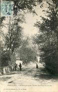 PORNICHET - L'Avenue Principale - Facteur Distribuant Le Courrier - Pornichet